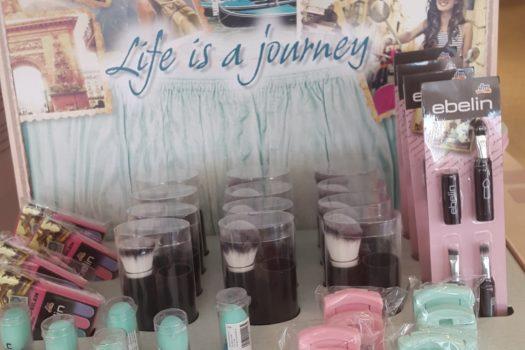 Mit ebelin  Life is a journey Concealer Ei auf Reisen gehen
