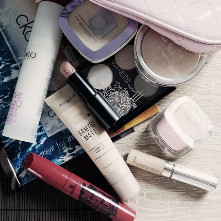 weekle beauty bag