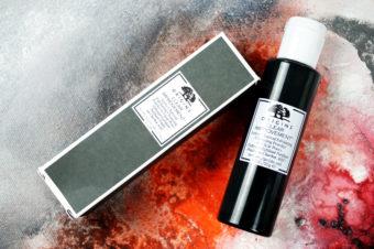 Origins Clear Improvement Active Charcoal Exfoliating Cleansing Powder und die Kraft der Aktivkohle