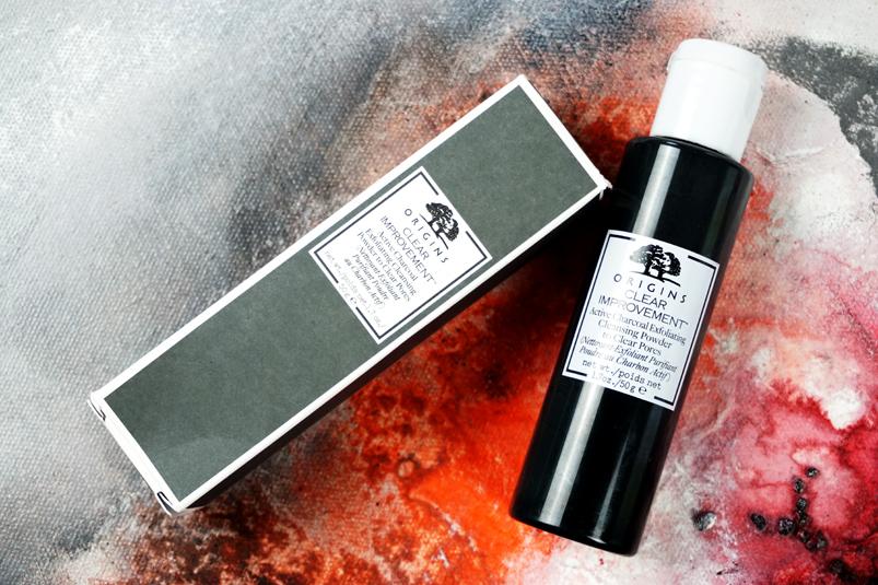 Aktivkohle zur Gesichtsreinigung mit dem Origins Clear Improvement Active Charcoal Exfoliating Cleansing Powder