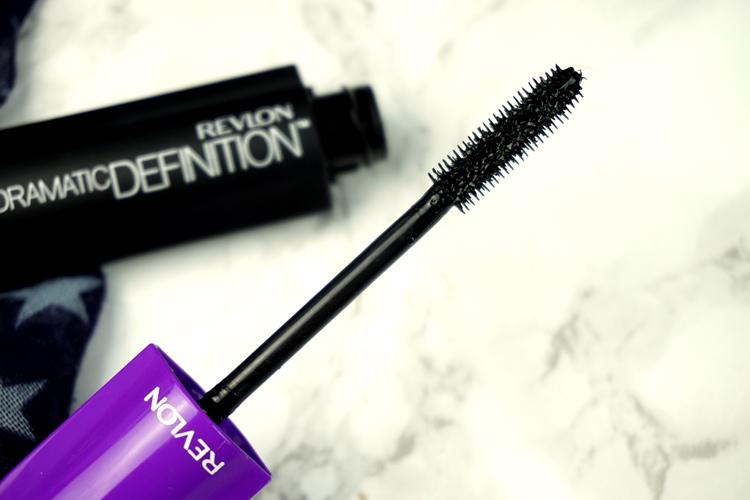 Revlon Erfahrungen Makeup Eindrücke Dramatic Definition Mascara