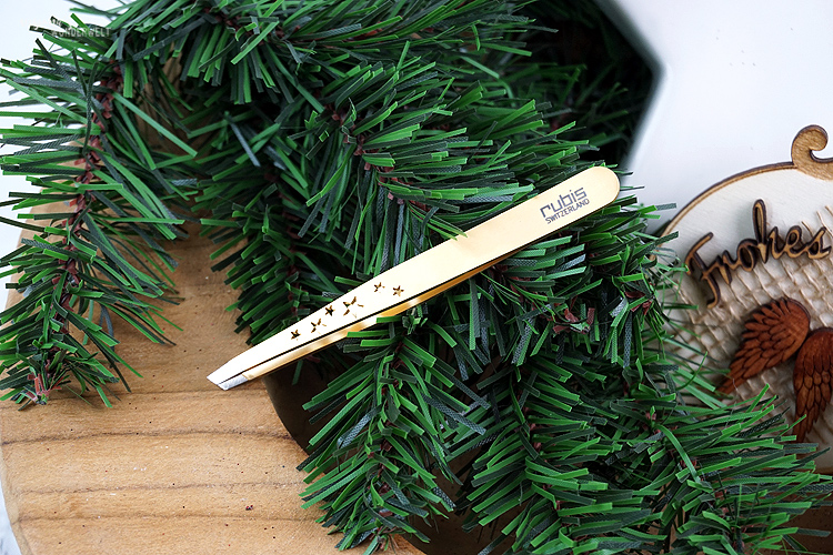 Beautyjunkies Adventskalender 2019 rubis switzerland tweezer classic gold stars
