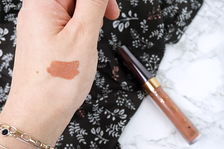 nabla cosmetics dreamy creamy liquid lipstick eve swatch